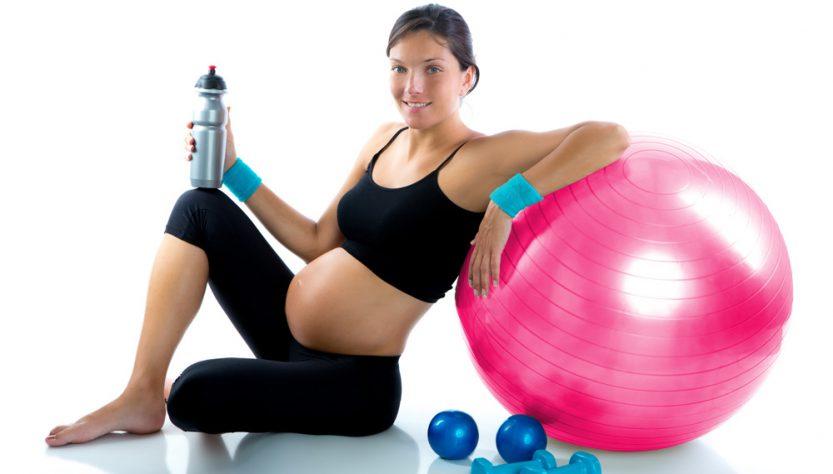 donna gravidanza fitball